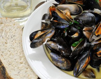 Steamed mussles